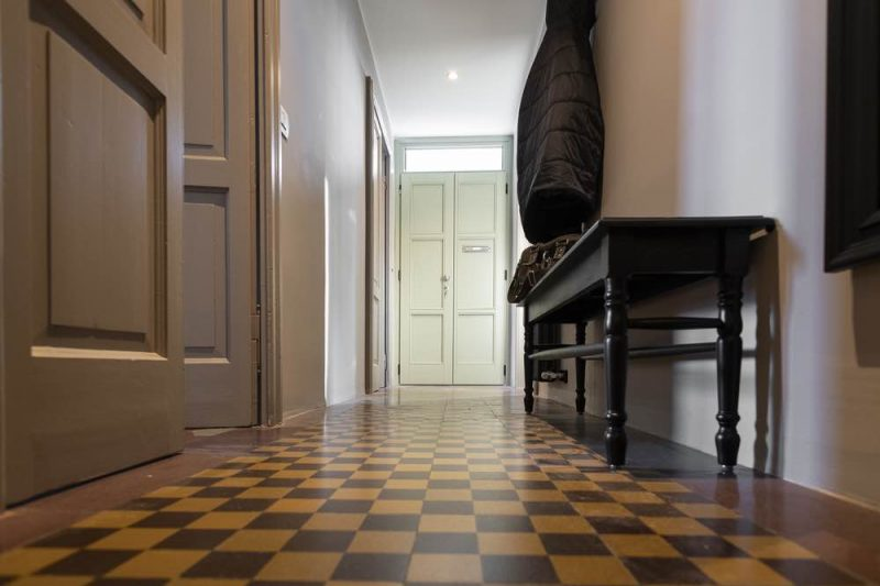 Hallway_xDSC_3486
